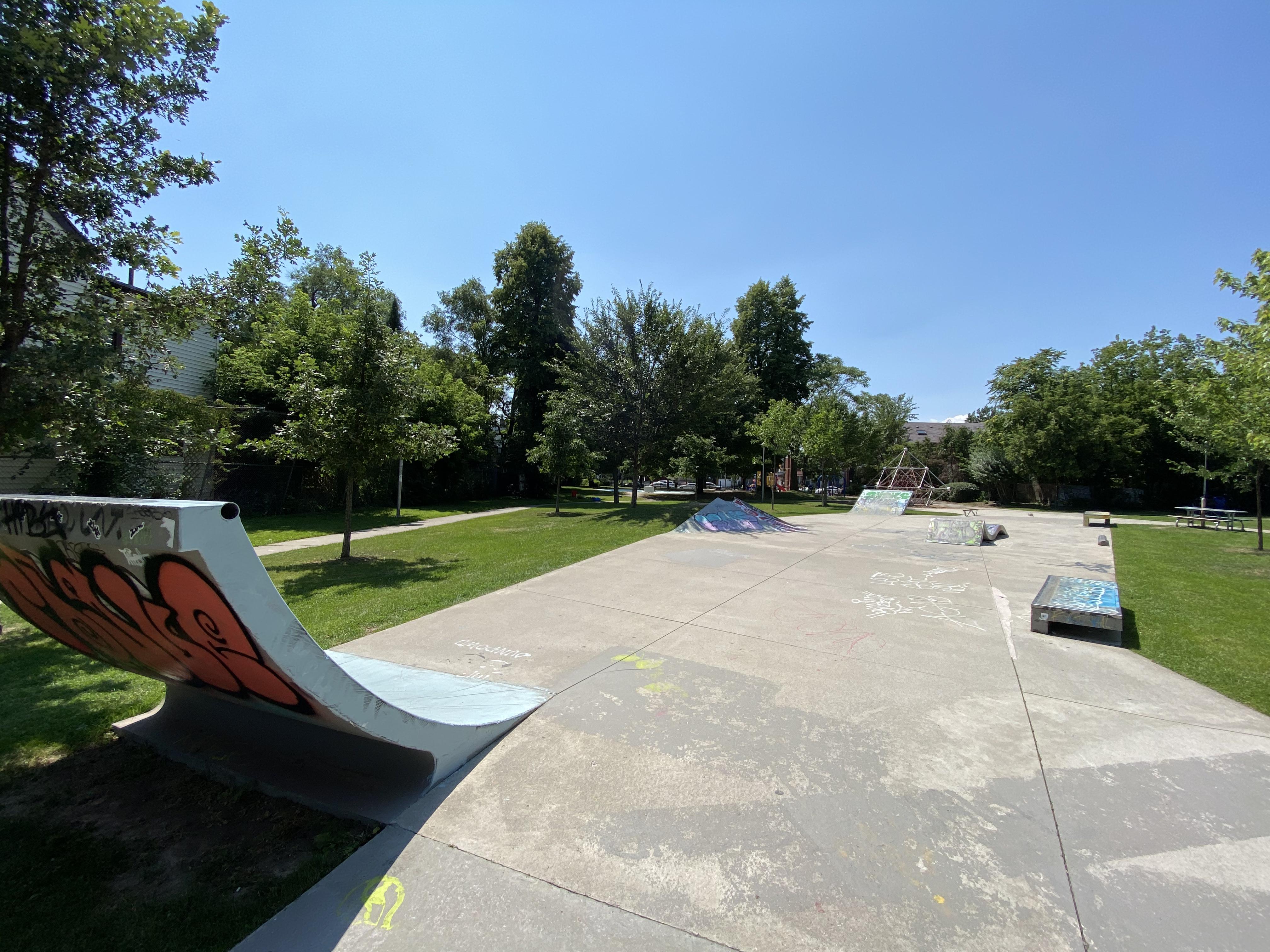 toronto parkdale skatepark from the back