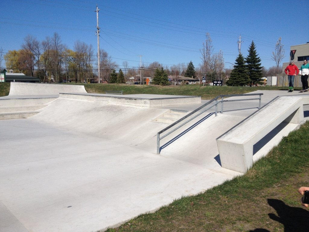Fort Erie skatepark 6