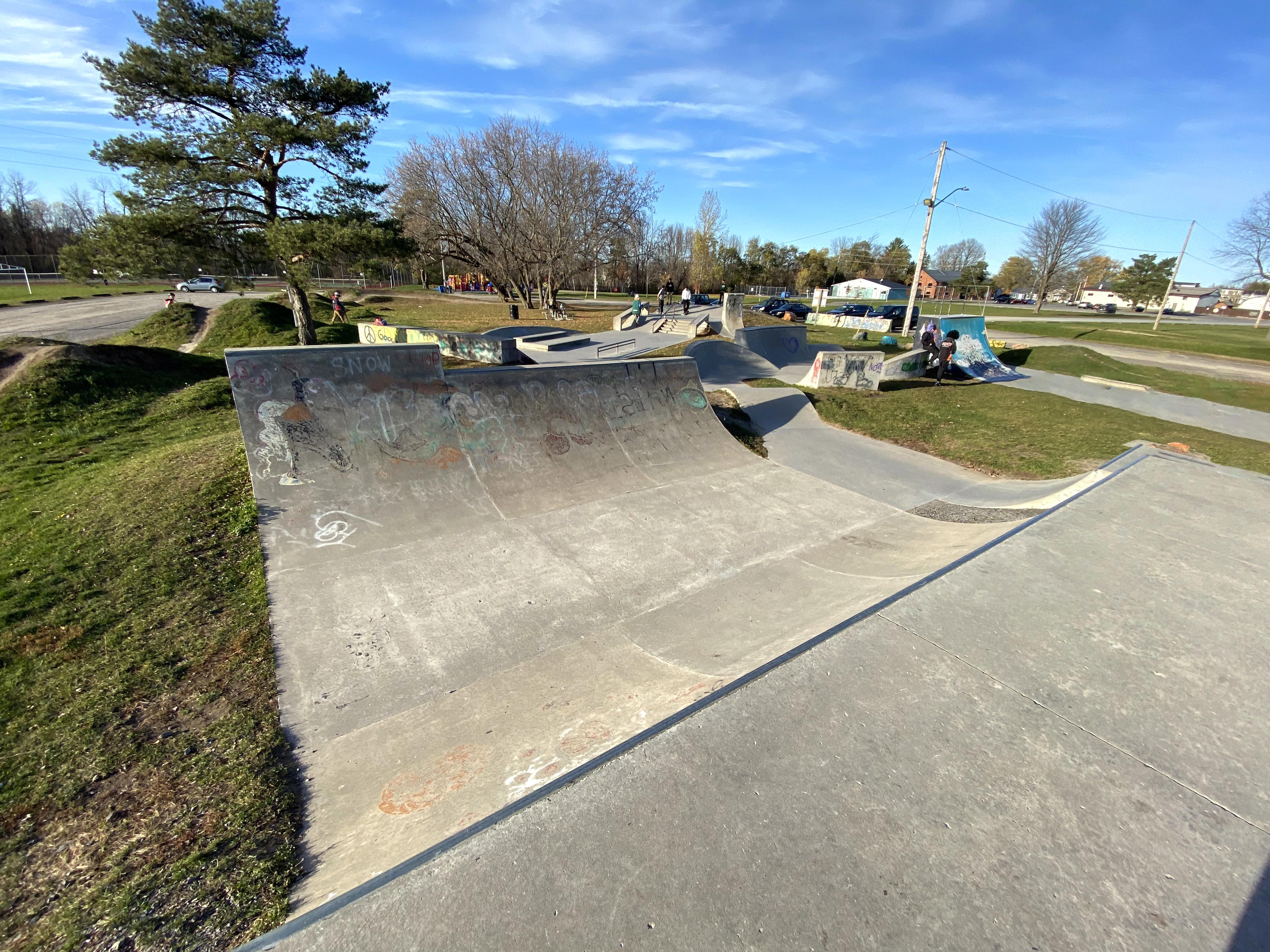 kemptville skatepark mini ramp
