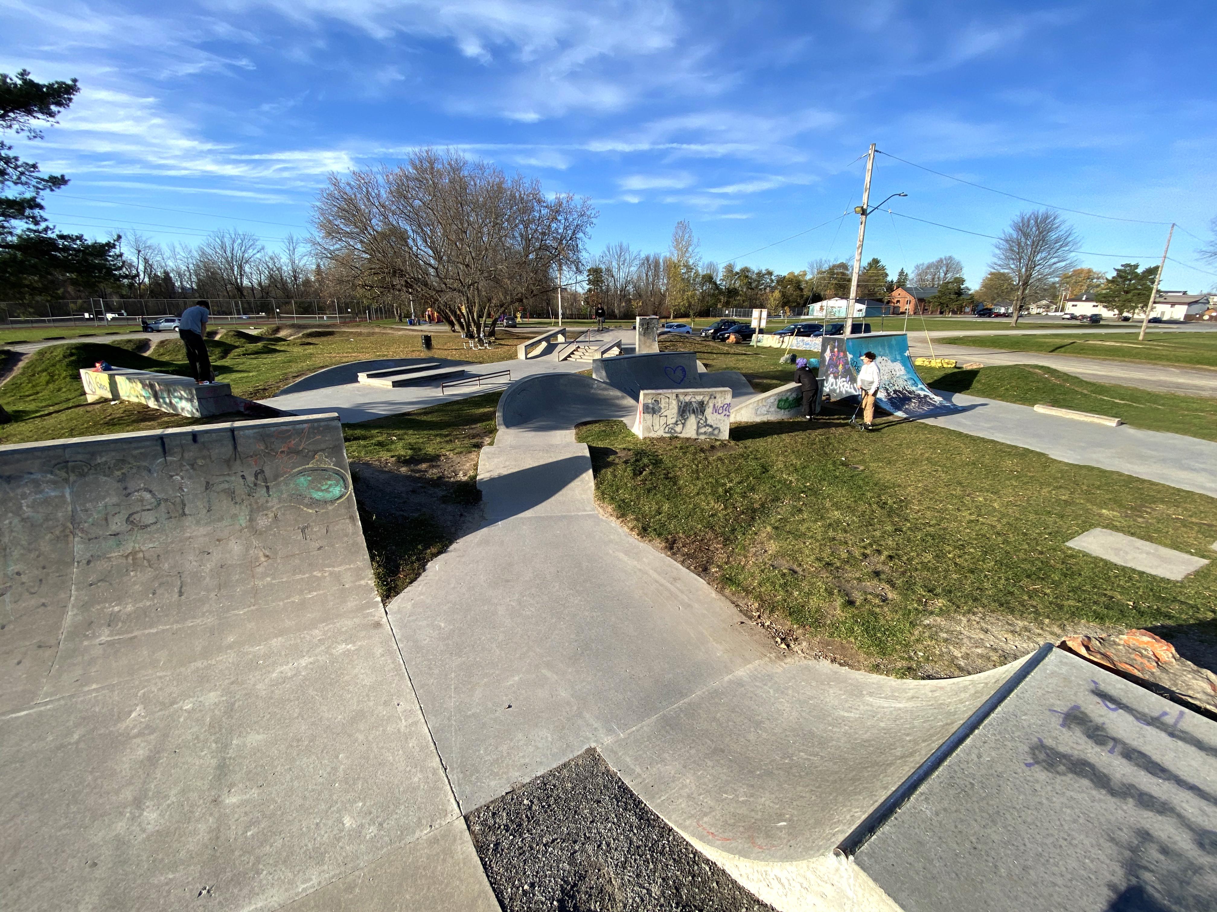 kemptville skatepark entering the snake run