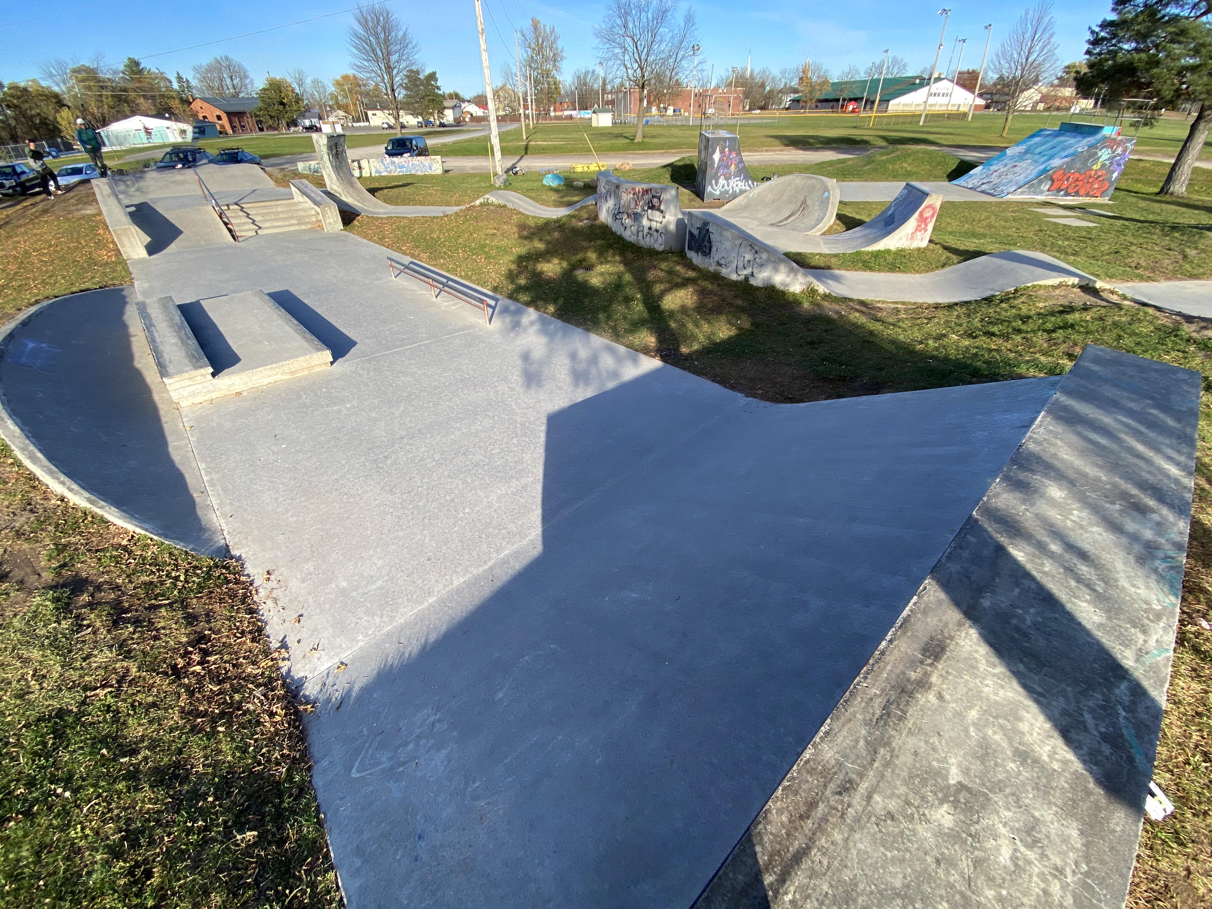 kemptville skatepark street course
