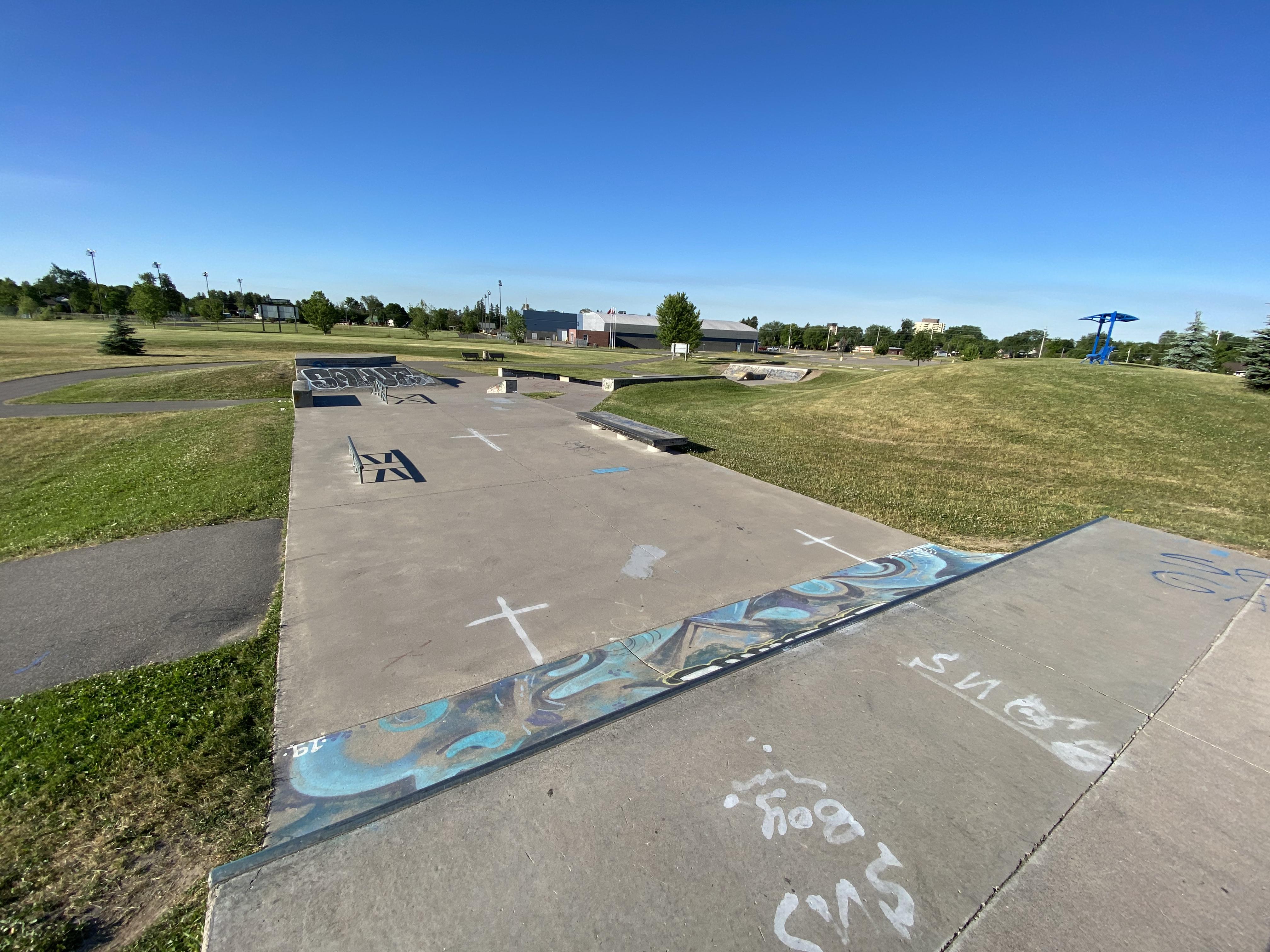 sault-ste marie skatepark from the entrance